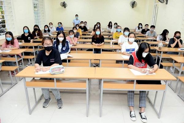 Sinh viên trường đại học Kinh tế quốc dân trong một tiết học trong bối cảnh dịch bệnh Covid-19 (Ảnh trường đại học Kinh tế quốc dân)