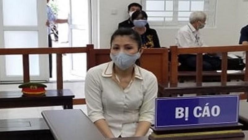 Bị cáo Trần Thị Mỹ Hòa tại tòa