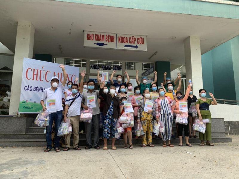 Các bệnh nhân được công bố khỏi bệnh tại TTYT Hoà Vang.