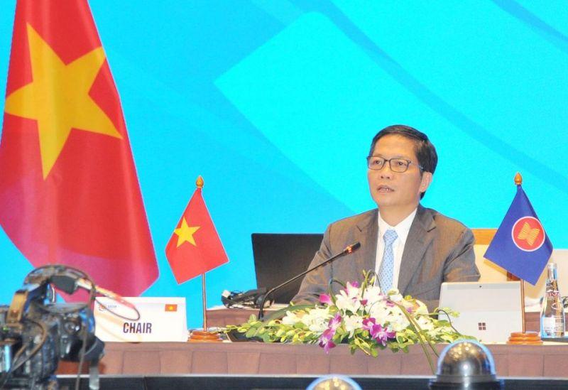 Bộ trưởng Bộ Công Thương Trần Tuấn Anh phát biểu tại hội nghị ngày 29/8.