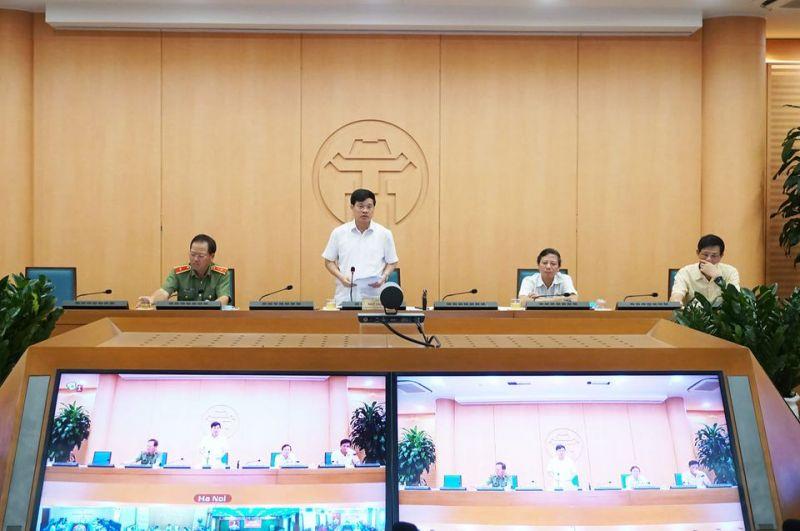 Phó Chủ tịch UBND TP Hà Nội Ngô Văn Quý, Trưởng Ban Chỉ đạo phòng chống dịch Covid-19 TP chỉ đạo