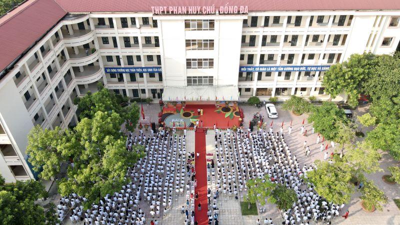 Lễ khai giảng tại trường THPT Phan Huy Chú - Đống Đa