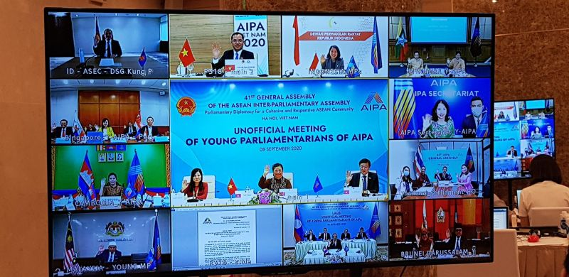Chủ tịch Quốc hội Tòng Thị Phóng phát biểu