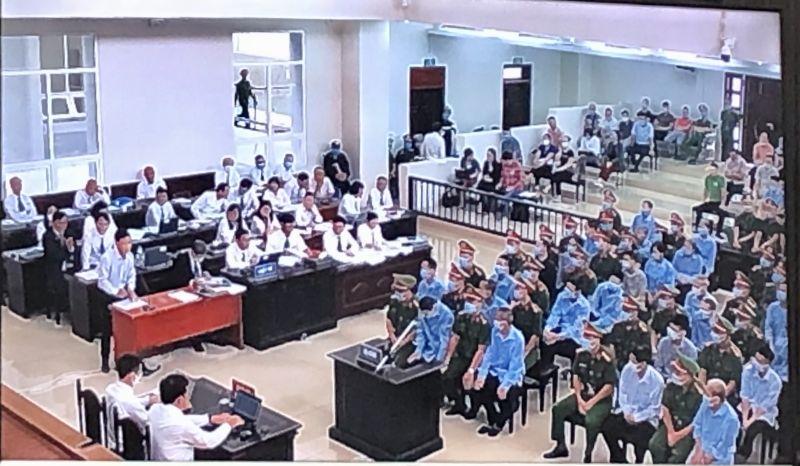 Các luật sư bào chữa cho các bị hại tại Tòa