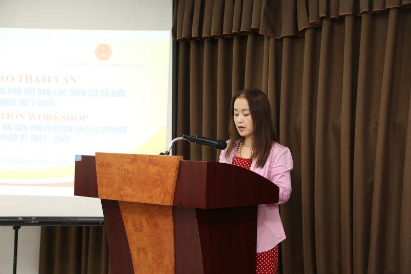 Bà Naomi Kitahara, Trưởng đại diện UNFPA tại Việt Nam phát biểu khai mạc hội thảo.