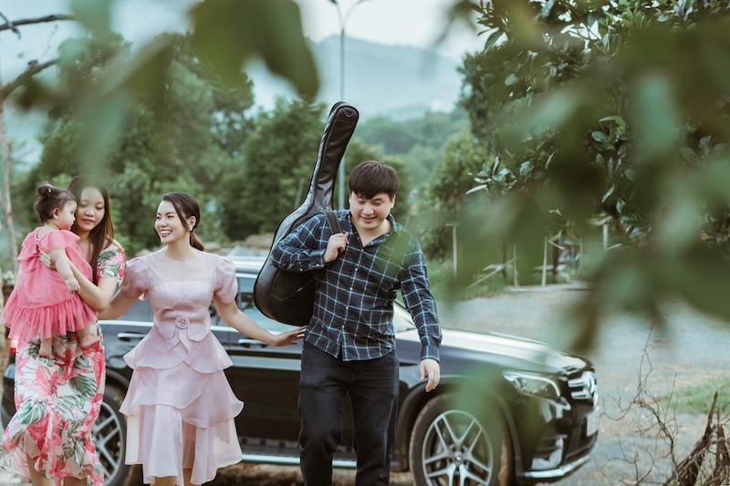 Cả gia đình Ngọc Anh cùng tham gia đóng MV đặc biệt này