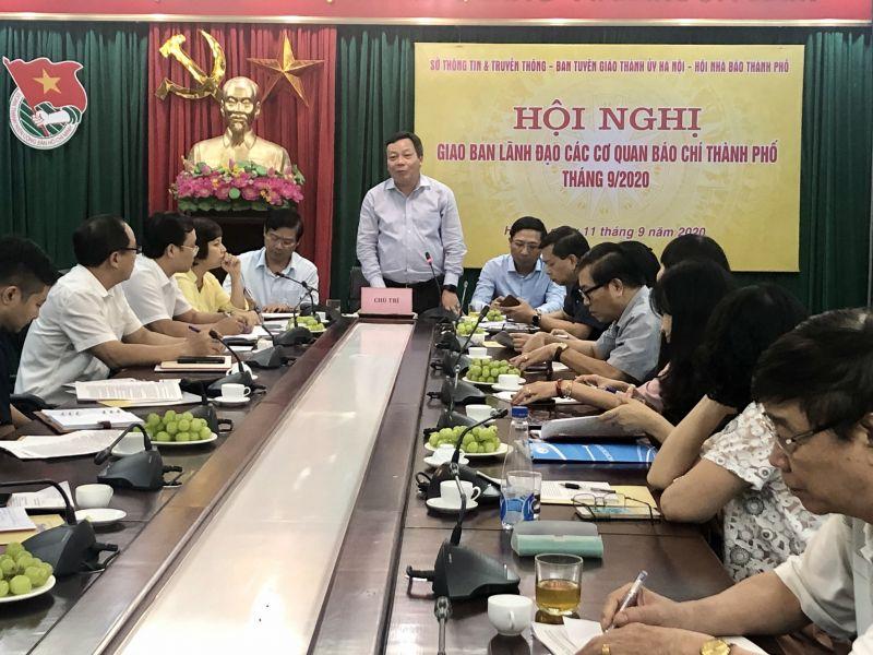Đồng chí Nguyễn Văn Phong, Ủy viên Ban Thường vụ, Trưởng ban Tuyên giáo Thành ủy phát biểu chỉ đạo tại Hội nghị