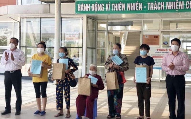 Các bệnh nhân được công bố khỏi bệnh tại BV Đa khoa tỉnh Quảng Nam.
