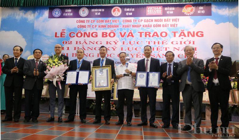 Gốm đất Việt xác lập 2 kỷ lục thế giới đã góp phần khẳng định vị thế và thương hiệu hàng Việt lên tầm cao mới