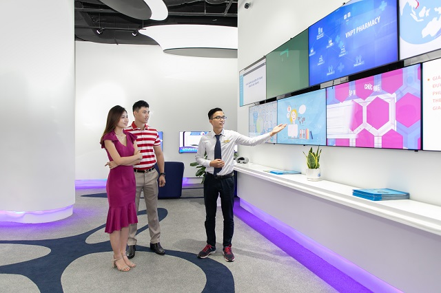 Giới thiệu các giải pháp đoạt Giải thưởng Kinh doanh Quốc tế 2020 tại showeroom của VNPT.
