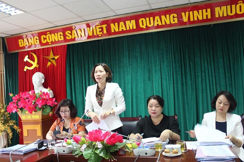 Đồng chí Lê Kim Anh - Chủ tịch Hội LHPN Hà Nội phát biểu tại buổi kiểm tra tại cụm thi đua số 5
