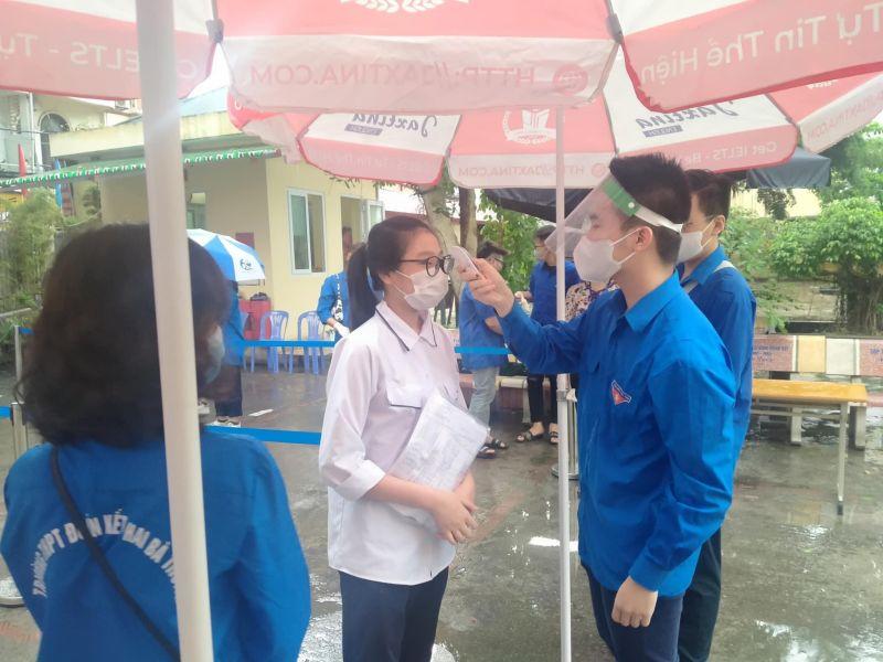 Công tác phòng chống dịch được thực hiện nghiêm túc tại các điểm thi
