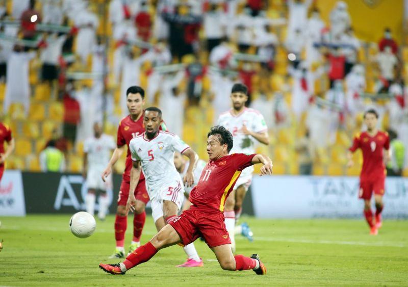 Cầu thủ Minh Vương ghi bàn vào lưới UAE tại vòng loại 2 World Cup 2022