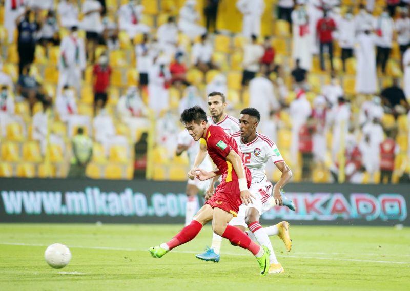 Cầu thủ Tiến Linh ghi bàn vào lưới UAE tại vòng loại 2 World Cup 2022