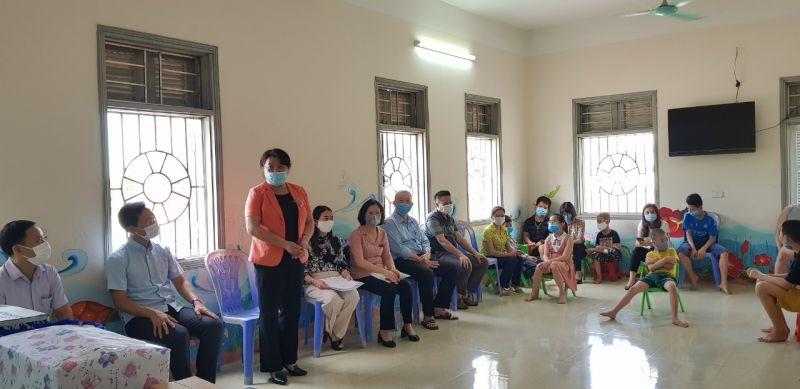 Đồng chí Nguyễn Thị Thu Thủy bày tỏ tri ân các sơ đã có tấm lòng bác ái
