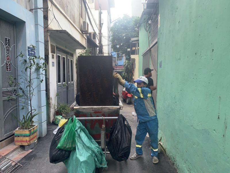 Lao động cực nhọc với hy vọng có tiền nuôi con ăn học, chị Doãn Thị Cam vẫn bị công ty Minh Quân nợ lương 6 tháng  cuối năm 2020
