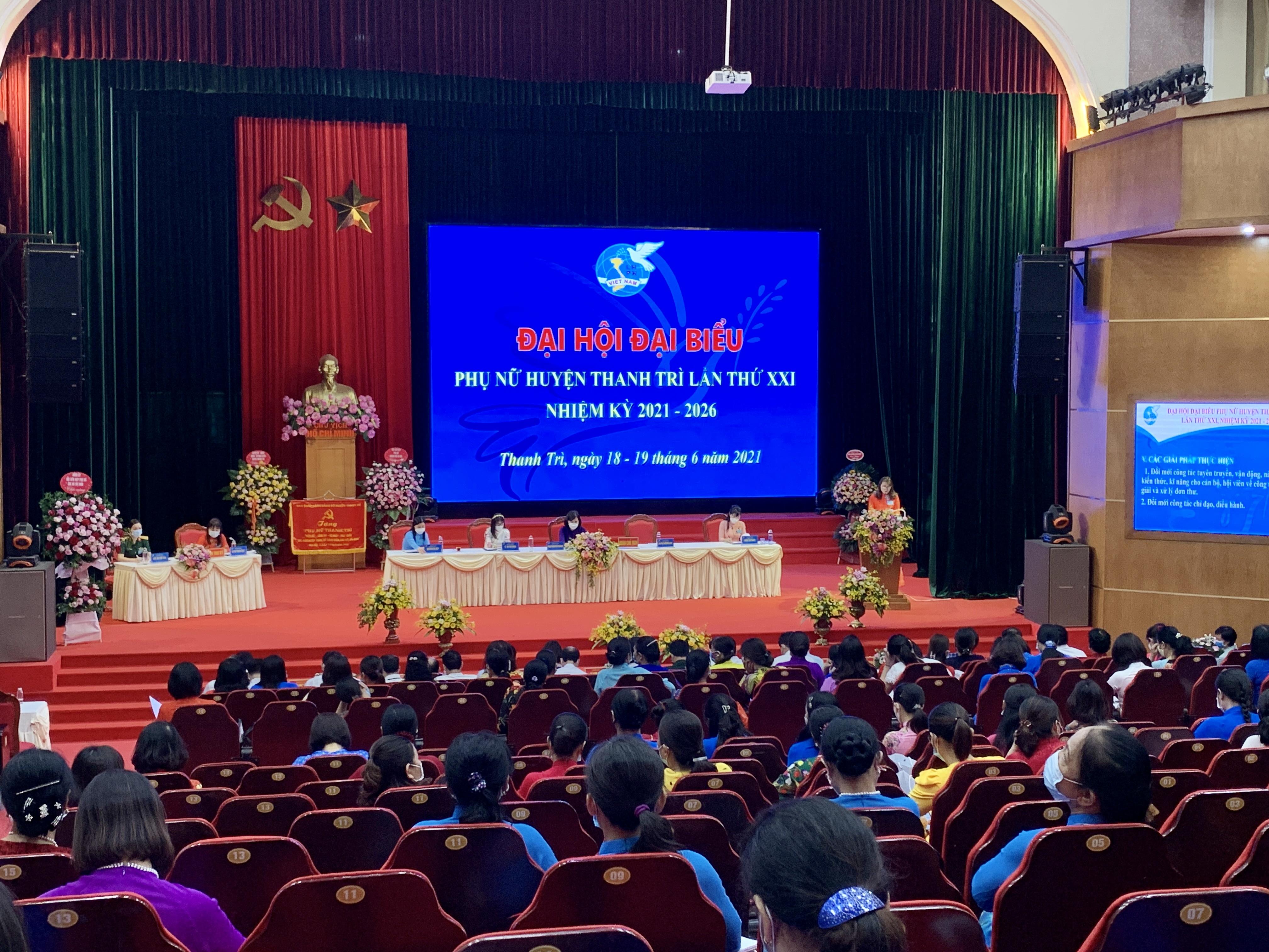 Toàn cảnh Đại hội Đại biểu phụ nữ huyện Thanh Trì lần thứ XXI nhiệm kỳ 2021-2026