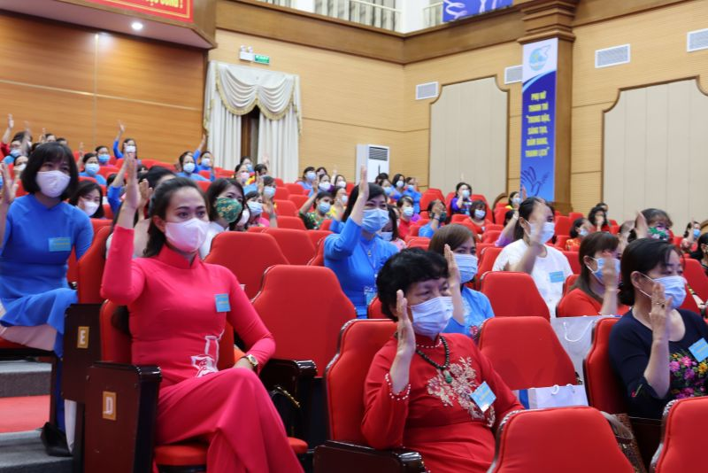 100% đại biểu có mặt tại Đại hội thống nhất bầu ra BCH Hội LHPN huyện khoá XXI