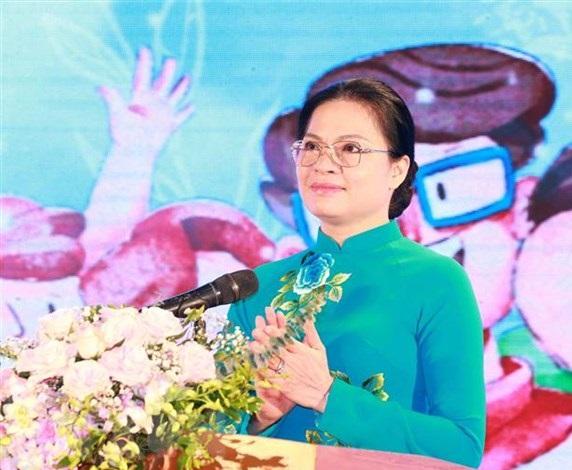 Chủ tịch Hội Liên hiệp Phụ nữ Việt Nam Hà Thị Nga phát biểu khai mạc chương trình. (Ảnh: Phương Hoa/TTXVN)