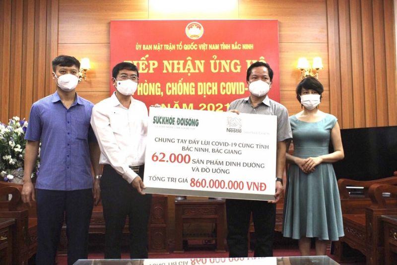 Công ty Nestlé tại Việt Nam trao tặng 62.000 sản phẩm dinh dưỡng trị giá 860 triệu đồng chung tay cùng Bắc Ninh chống dịch
