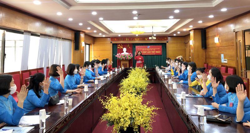 Phiên họp thứ Nhất BCH Hội LHPN quận Hà Đông khóa XXI