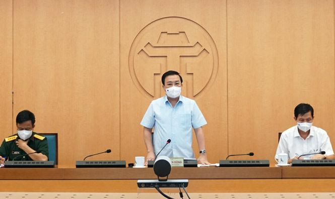 Phó Chủ tịch UBND thành phố Hà Nội Chử Xuân Dũng phát biểu chỉ đạo cuộc họp.