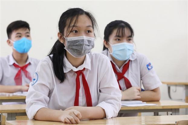 UBND Thành phố yêu cầu căn cứ trên tình hình dịch bệnh để quyết định thời điểm cho học sinh đi học trở lại