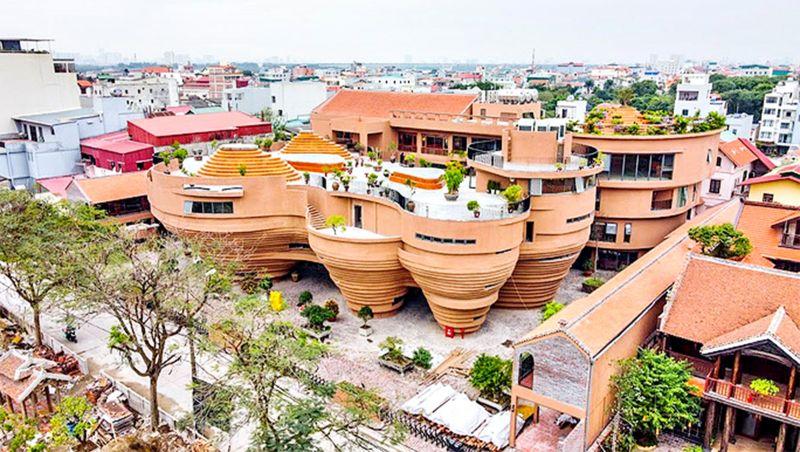 Trung tâm tinh hoa làng nghề Việt với thiết kế độc đáo hứa hẹn trở thành điểm giao thương, du lịch, dịch vụ ở phía Bắc Thủ đô. (Thư Hạnh)