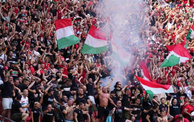 WHO lo ngại việc tụ tập ở các sân vận động tại vòng chung kết Euro 2020 sẽ làm tăng 10% số ca lây nhiễm mới.