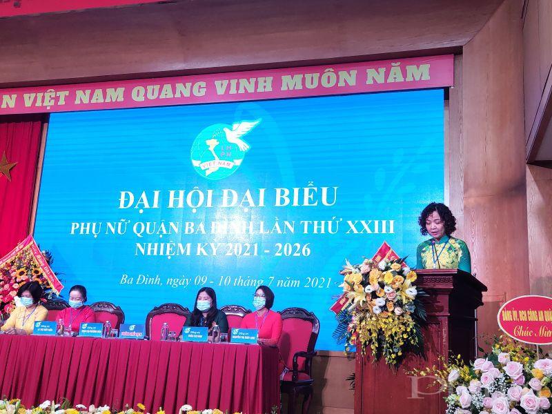 Đồng chí Đinh Thị Phương Liên _Chủ tịch Hội LHPN quận Ba Đình phát biểu khai mạc Đại hội
