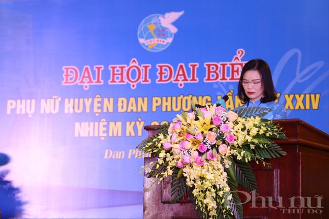 Đồng chí Nguyễn Thị Bảy, Chủ tịch Hội LHPN huyện Đan Phượng phát biểu tại Đại hội.
