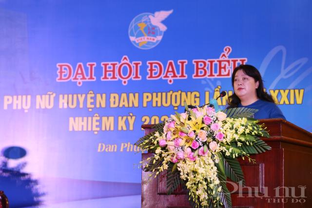 Đồng chí Nguyễn Thị Thuy Thuỷ, Phó Chủ tịch Thường trực Hội LHPN TP. Hà Nội chỉ đạo Đại hội.