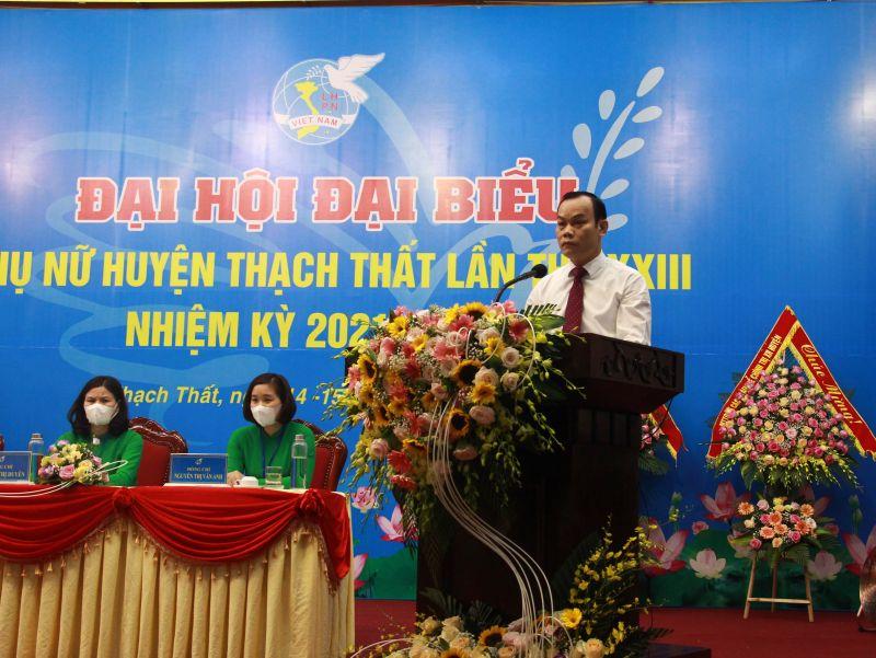 Đồng chí Nguyễn Hồng Nhật - Phó Bí thư Thường trực Huyện uỷ phát biểu