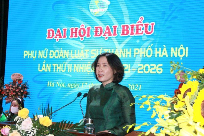 Đồng chí Lê Kim Anh, Chủ tịch Hội LHPN thành phố Hà Nội phát biểu chỉ đạo