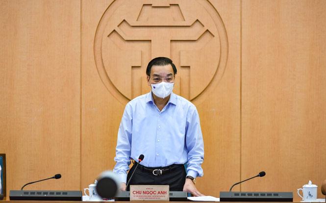 Đồng chí Chu Ngọc Anh, Ủy viên Trung ương Đảng, Phó Bí thư Thành ủy, Chủ tịch UBND thành phố Hà Nội phát biểu tại cuộc họp.