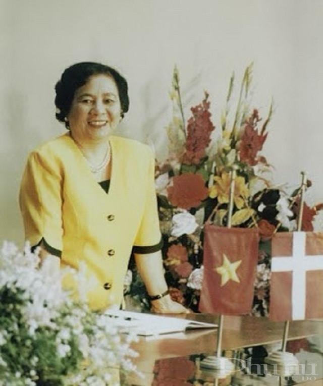 Kỹ sư Nguyễn Thị Anh Nhân, Đại biểu Quốc hội, Tổng Giám đốc đầu tiên và cũng là người xây dựng, sáng lập và đặt nền móng cho sự phát triển của Công ty Việt Hà. Bà là tác giả của nhãn hiệu bia Halida nổi tiếng, một sản phẩm được mệnh danh là
