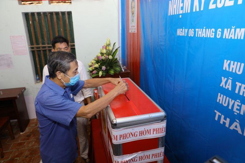 Do có vi phạm quy định trong công tác bầu cử, đơn vị bầu cử đại biểu HĐND cấp xã số 4, xã Tráng Việt, huyện Mê Linh (TP Hà Nội) đã tổ chức bầu cử lại vào ngày Chủ nhật (6/6/2021).