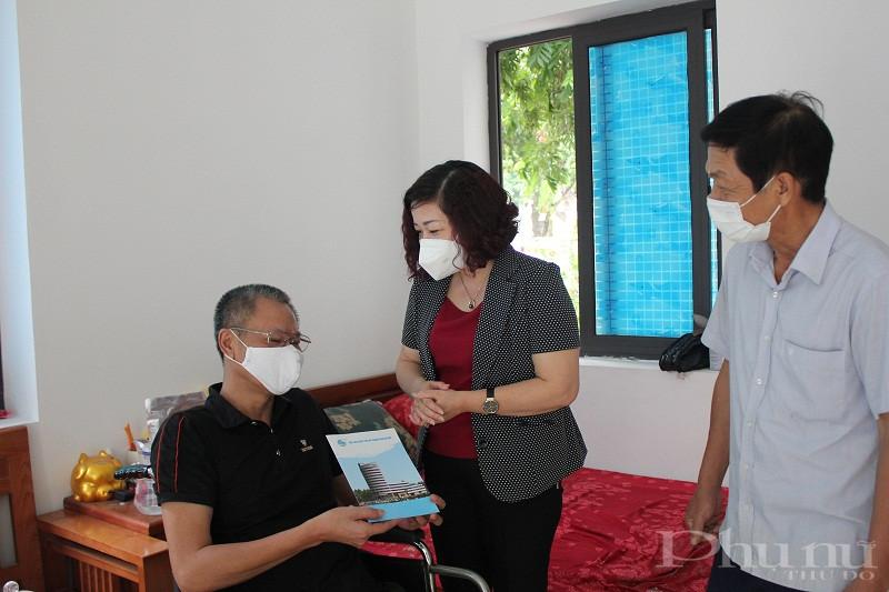 Đồng chí Lê Thị Thiên Hương - Phó Chủ tịch Hội LHPN Hà Nội
