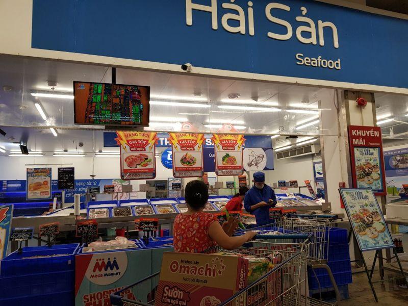 Hàng hóa tại các siêu thị vẫn rất dồi dào