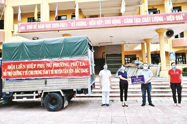 Niềm vui của y bác sỹ tuyến đầu tại Bắc Giang khi nhận tình cảm của phụ nữ Hà Đông gửi đến