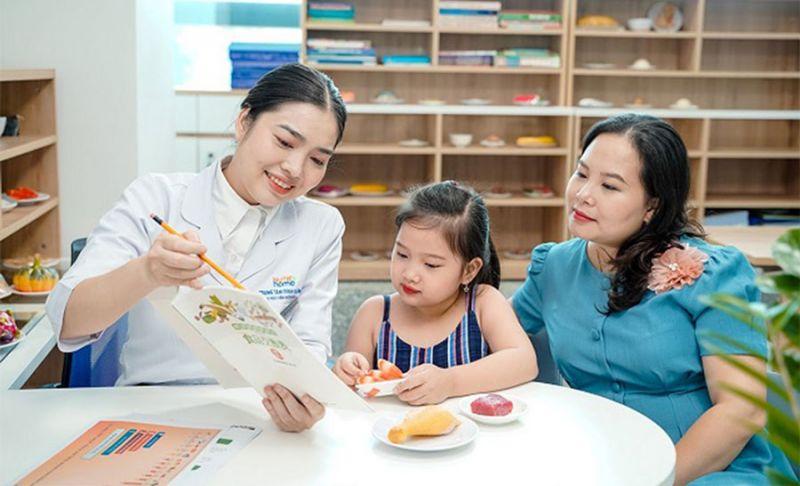 Vì vậy, vai trò của những bữa ăn hợp lý, đủ chất rất quan trọng và cần được bố mẹ đặc biệt quan tâm