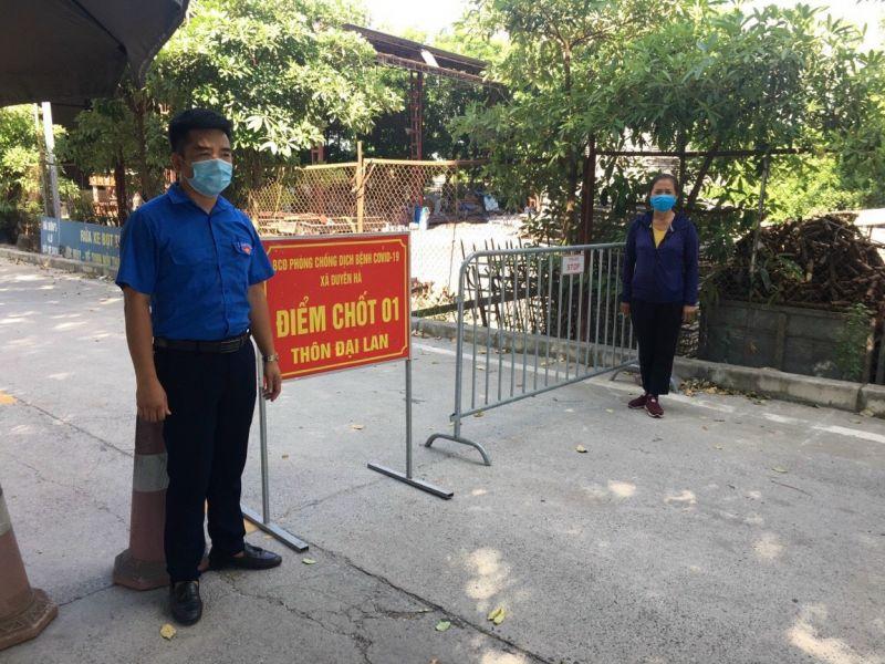 Đoàn Thanh niên huyện Thanh Trì hỗ trợ trực chốt kiểm soát dịch