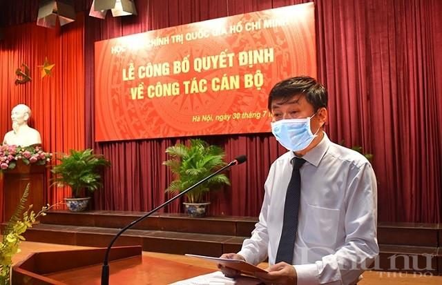 PGS,TS. Phạm Minh Sơn, tân Giám đốc Học viện Báo chí và Tuyên truyền phát biểu nhận nhiệm vụ.