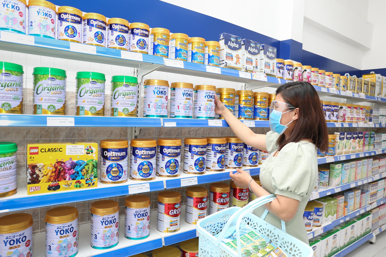 Sữa tươi, sữa bột, sữa chua, nước trái cây của Vinamilk… là những sản phẩm dinh dưỡng thiết yếu với nhiều gia đình, giúp tăng cường sức khỏe, đề kháng