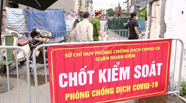 Hà Nội yêu cầu người dân xuất trình thêm lịch trực, lịch làm việc khi đi ra ngoài