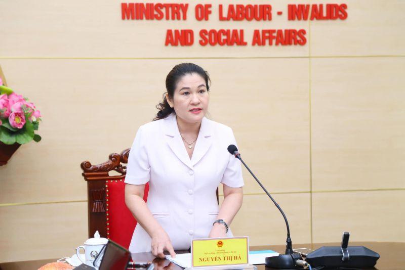 Thứ trưởng Bộ LĐTB&XH Nguyễn Thị Hà phát biểu tại hội nghị