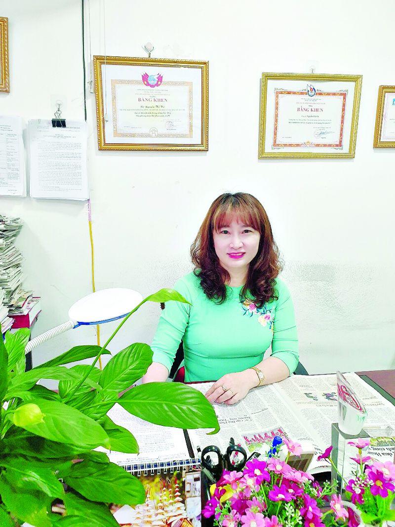 Nhà báo Nguyễn Thu Hà - Phụ trách Ban Thư ký tòa soạn - Trưởng Ban Hôn nhân gia đình, Chuyên đề và Pháp luật