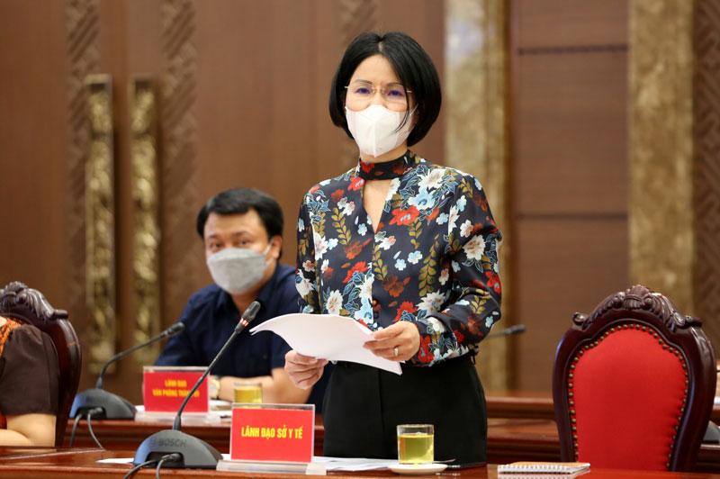 Giám đốc Sở Y tế Trần Thị Nhị Hà phát biểu tại họp báo.