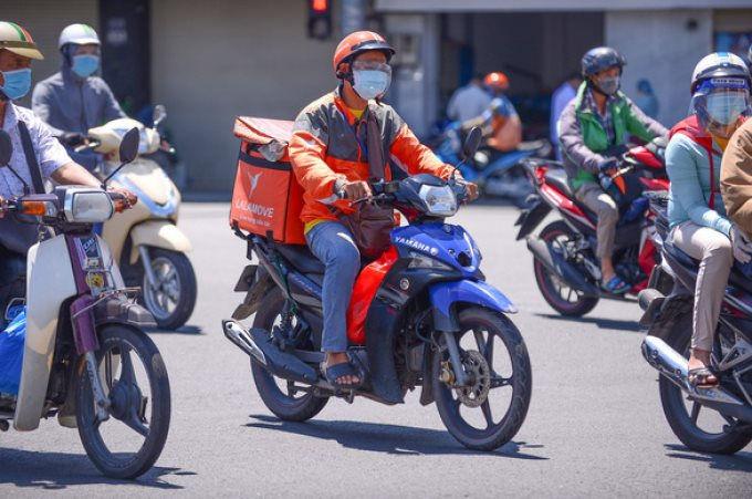 Dịch vụ shipper sẽ bắt đầu ngừng hoạt động ở một số quân, huyện tại TP HCM