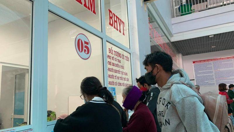 BHXH Việt Nam đồng ý miễn đóng BHYT 8 tháng cho người lao động (Ảnh: minh họa)